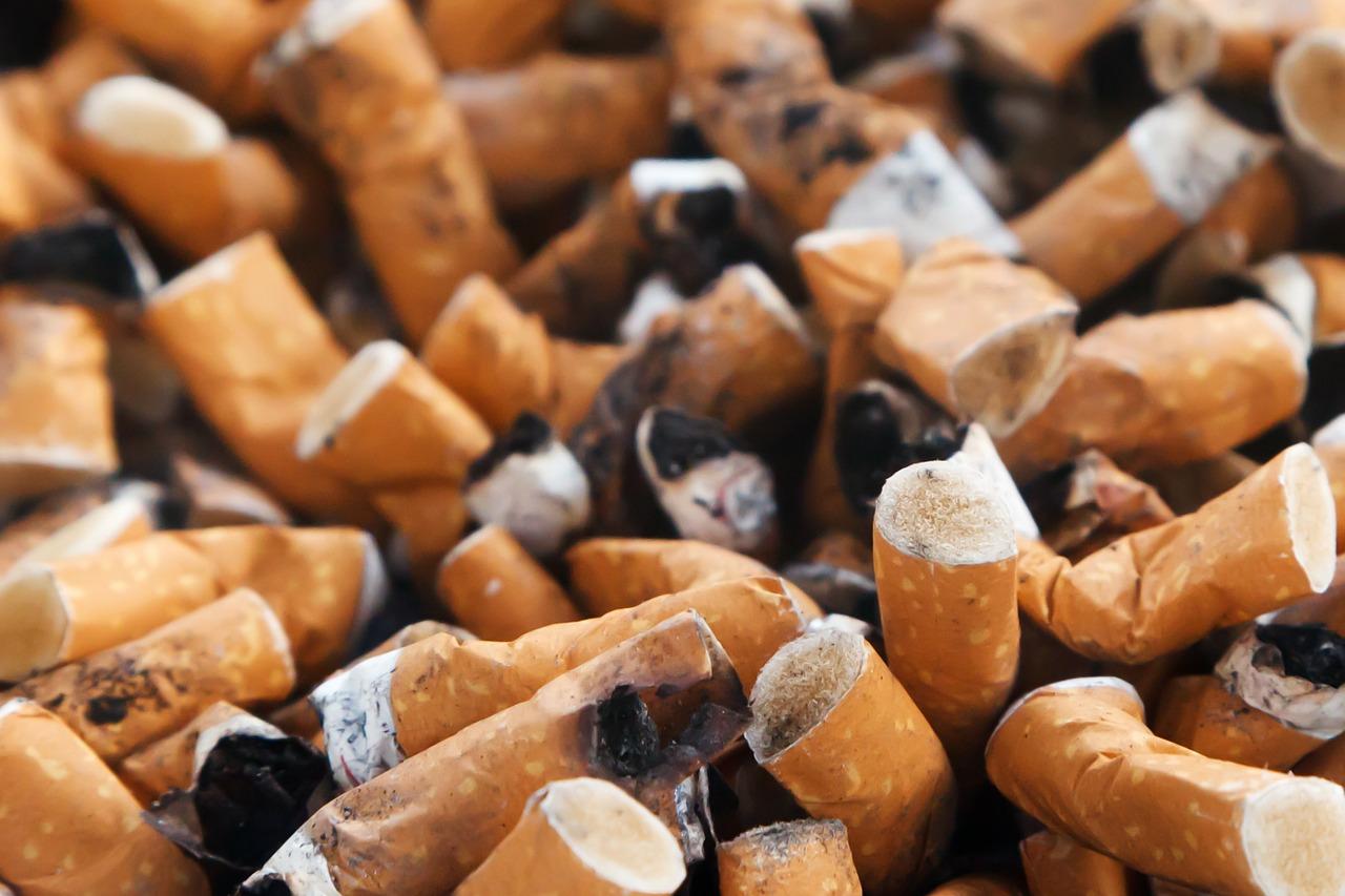 Fumare in auto: le norme